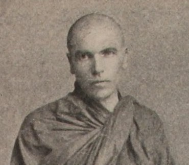 A grainy black and white photo of Dhammaloka. He is wearing robes and his head is shaved.
